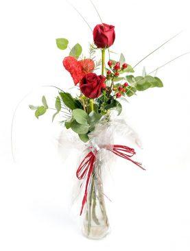 Jarrón con dos rosas